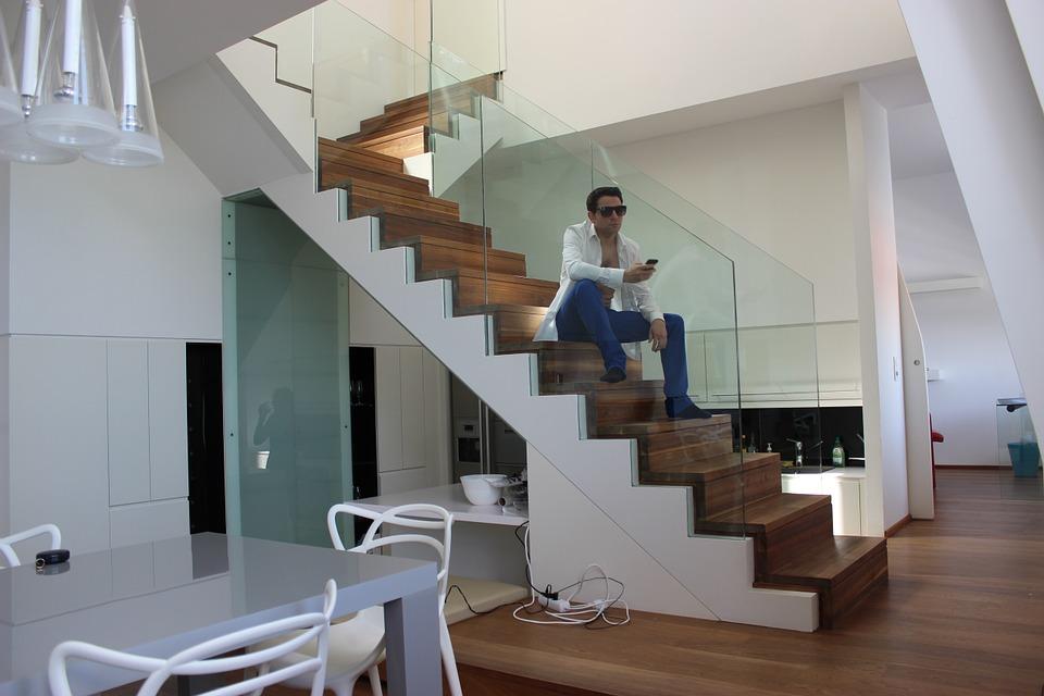 Il sottoscala, da spazio inutilizzato a risorsa per la tua casa